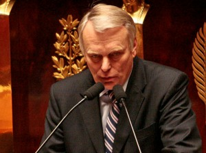 Jean-Marc Ayrault dans l'arène de l'assemblée s'attaque au budget