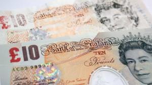 Les Britaniiques vont pouvoir régler leur achats avec de la monnaie en plastique