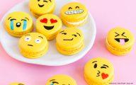 World Emoji Day : où sont les drapeaux bretons, les capotes et le camembert ?!