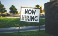 Plaque pour recruter